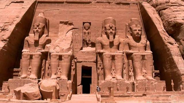 luxor aswan and abu simble Three days tour from Makadi
