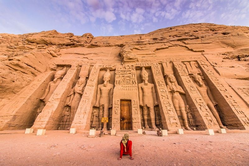 Relax on board Nile Cruise from Hurghada 4 day 3 Night, And visit Egypt's most famous tourist attraction as you sail on the River Nile Cruises Aswan to Luxor. Visit Karnak and Luxor temples, the Valley of the Kings, Queen Hatshepsuit, Edfu, Philae temples. Kom ombo, Aswan high dam. And felucca ride on the Nile. before return transfer to back to Hurghada