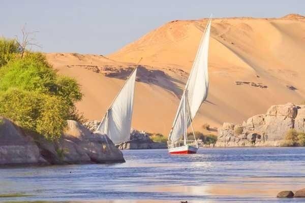 Sailing on Felucca