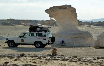 3 days trip White desert and wadi el Hitan from Cairo