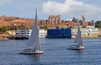 4 Days Nile Cruise From Aswan on blue shadow Nile cruise